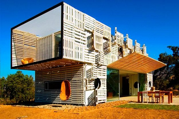 Superb Steps To Build Environmentally Friendly Houses With Wooden Pallets