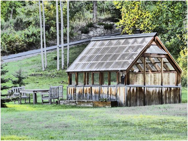 Benefits of a wooden summer house2
